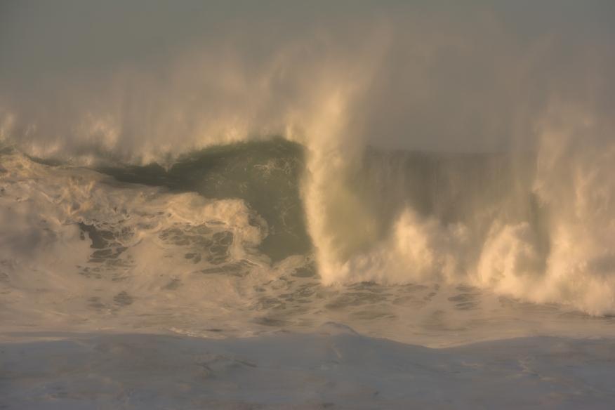 Big wave breaking  duplex 7609