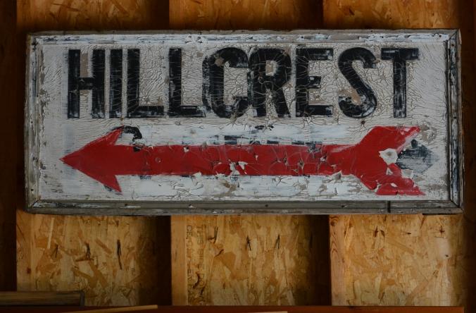 Hillcrest sign 9375.jpg