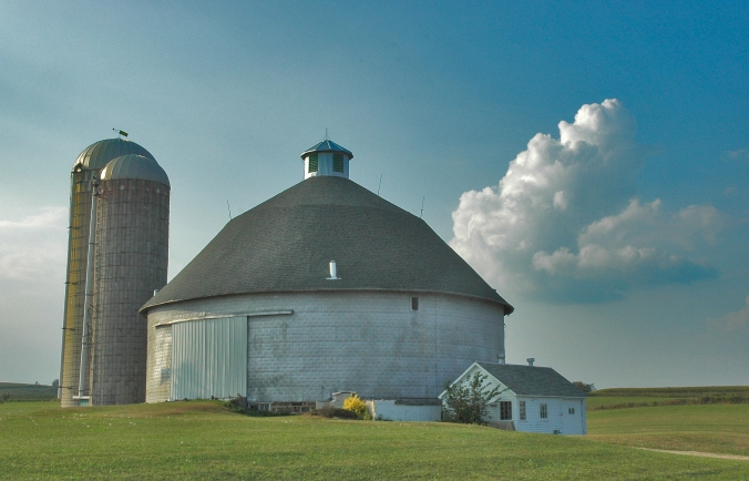 Round Barn near Hillsboro copy.jpg