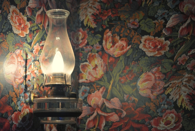 wallpaper lamp warm 6753 .jpg