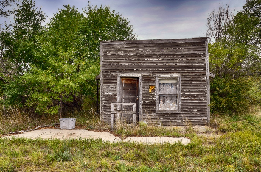 Defunct store Belvidere SD HDR 1898 -2